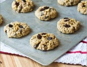Пошаговый рецепт овсяного печенья с изюмом