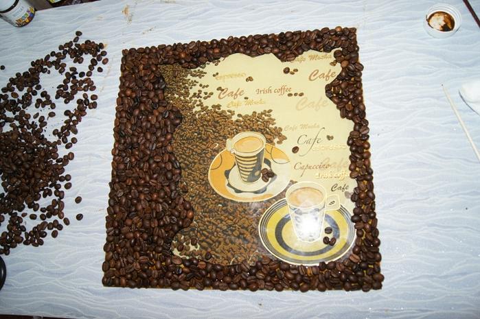 Контур из зерен кофе