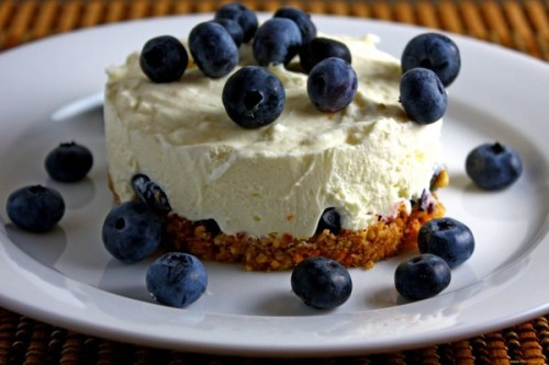 Ягодный торт с кремом из маскарпоне