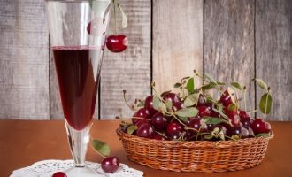 Вино из вишни дома
