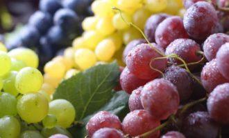 украшаем виноградом