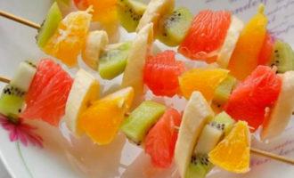 фруктовый шашлык