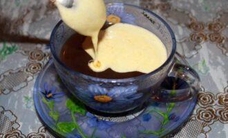 желток в кофе